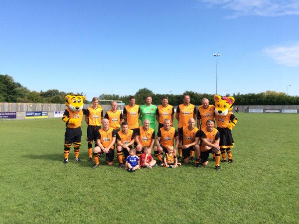 Partido de fútbol benéfico de las leyendas de Hull City